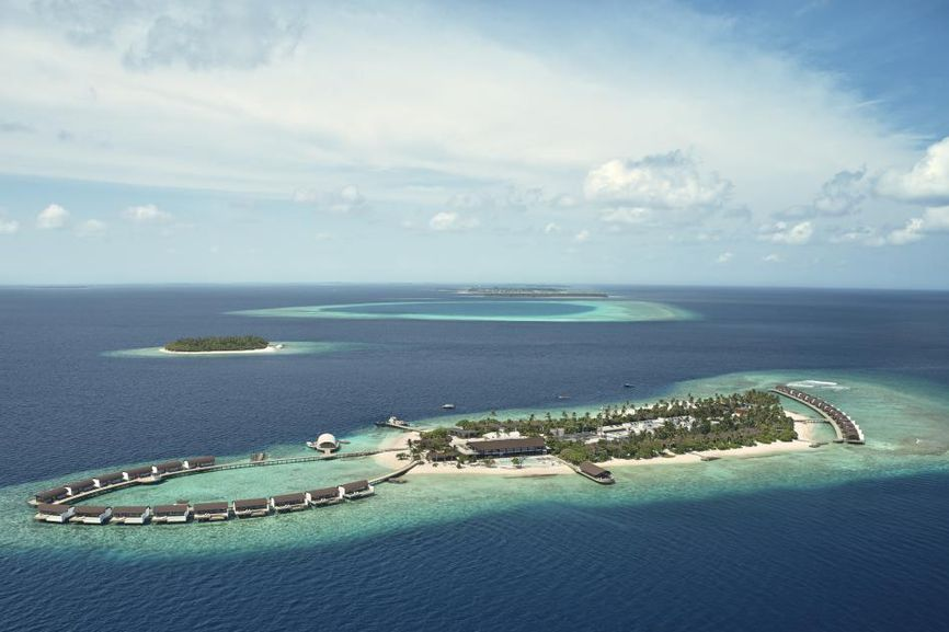 Westin Maldives Miriandhoo Resort: a luxury, sustainable construction