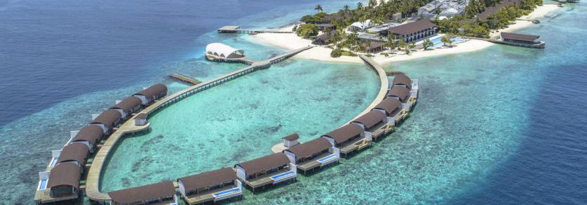 Westin Maldives Miriandhoo Resort: a luxury, sustainable construction
